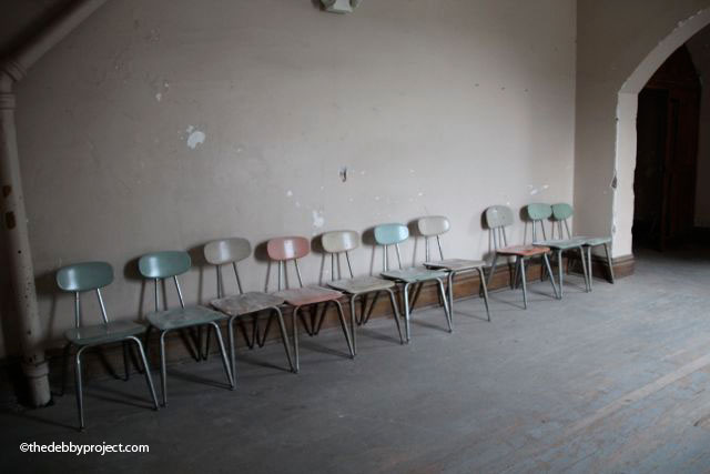 I just loved the pastel colors of these dusty chairs and the way they were all arranged against the wall.